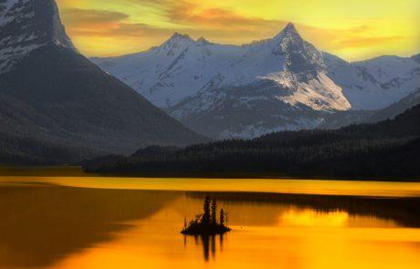 Shabbat Observance in Alaska: Lighting Shabbat Candles Without Sunset