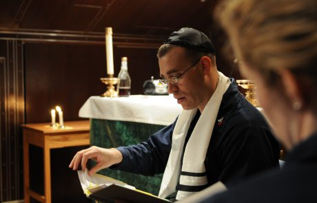 What to Expect at a Reform Shabbat Service