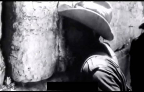 """Footage from the Liberation of the Western Wall and the Temple Mount in 1967: """"The Temple Mount is in Our Hands"""""""